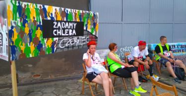 Graffiti harcerzy i uczestnicy rajdu